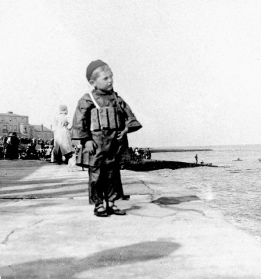 Unknown child Winner of badge Lifeboat collection c1908